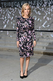 Tory Burch selected a black and pink splatter-print dress for a sleek and contemporary look while at the Vanity Fair Party for the Tribecca Film Festival.