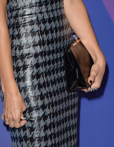 More Pics of Jessica Alba Leather Clutch (1 of 34) - Jessica Alba Lookbook - StyleBistro