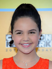 Bailee Madison wore a subtle cross pendant necklace at the Annual Power of Youth event.