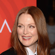 Hairstyles For Women With Fine Hair: Julianne Moore's Glossy Waves
