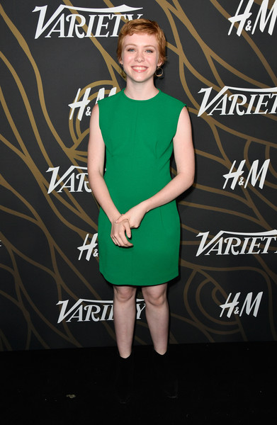 More Pics of Sophia Lillis Pixie (1 of 2) - Sophia Lillis Lookbook - StyleBistro [clothing,cocktail dress,green,dress,footwear,joint,premiere,carpet,little black dress,shoe,variety power of young hollywood - arrivals,tao hollywood,los angeles,california,sophia lillis]