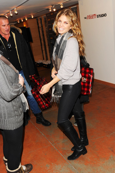 More Pics of AnnaLynne McCord Fingerless Gloves (1 of 11) - Fingerless Gloves Lookbook - StyleBistro