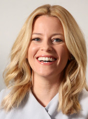 Elizabeth Banks wore her lush waves with a center part during her visit to the Variety Studio.