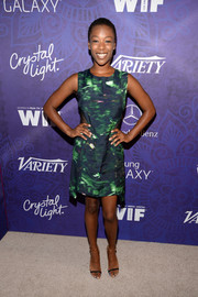 Samira Wiley chose a pair of two-tone skinny-strap sandals to complete her cute outfit.