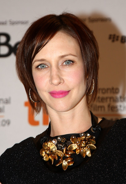 Vera Farmiga Layered Razor Cut [up in the air,hair,face,hairstyle,lip,eyebrow,chin,beauty,brown hair,bob cut,layered hair,vera farmiga,sutton place hotel,toronto,canada,up in the air press conference,2009 toronto international film festival,press conference]