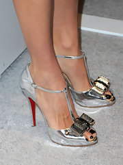 Angie wore some breathtaking footwear while at the Vera Wang store launch. Wow!