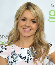 Ali Fedotowsky topped off her minimal beauty look with a swipe of pale pink lip gloss.