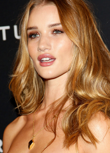 More Pics of Rosie Huntington-Whiteley Long Center Part (1 of 9) - Rosie Huntington-Whiteley Lookbook - StyleBistro