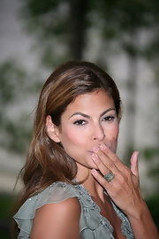 Eva wore a stunning cocktail ring while hitting the photo call of 'Very Ba Cops'.