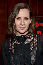 Embeth Davidtz wore her hair short with just a slight wave during the 'Ray Donovan' viewing party.