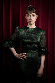 Imogen Poots paired her metallic green dress with a silver mani for the 'Vivarium' photocall.