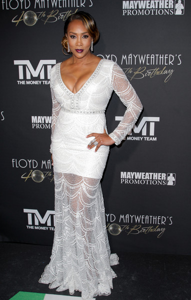 Vivica A. Fox Mermaid Gown [photographs,dress,clothing,gown,shoulder,fashion model,neck,lady,bridal party dress,fashion,hairstyle,arrivals,vivica a fox,floyd mayweather,tv personality,tibrina hobson,boxer,us,birthday celebration,birthday celebration]