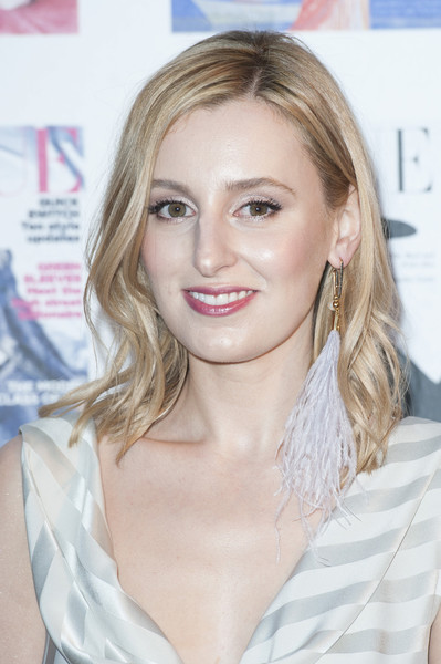 Laura Carmichael opted for this casual wavy hairstyle when she attended the Vogue 100 Festival Gala.