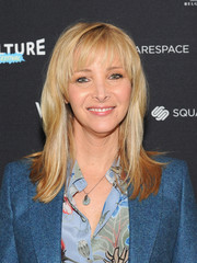 Lisa Kudrow attended the Vulture Festival wearing her blonde locks in straight layers with wispy bangs.