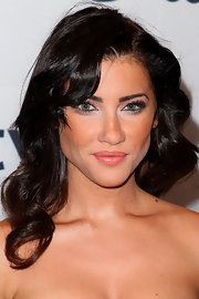 Jacqueline MacInnes Wood's shoulder-length curly 'do at the TIFF party had an Old Hollywood feel.