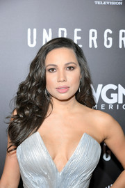 Jurnee Smollett-Bell was gorgeously coiffed with high-volume curls at the premiere of 'Underground' season two.