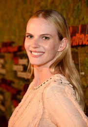 Anne V was hippie-chic with this long center-parted 'do at the Wallis Annenberg Center Inaugural Gala.