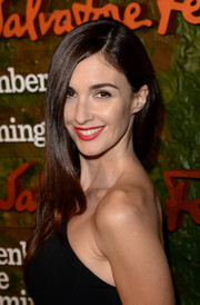 Paz Vega wore her hair down with a side part and subtly wavy ends when she attended the Wallis Annenberg Center Inaugural Gala.