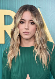 Chloe Bennet was edgy-glam with her ombre waves at the premiere of 'Crazy Rich Asians.'