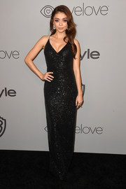 Sarah Hyland was sexy and sophisticated in a figure-hugging black sequin gown by Rasario at the Warner Bros. and InStyle Golden Globes after-party.