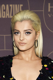 Bebe Rexha was fresh-faced at the Warner Music Group pre-Grammy celebration wearing this straight, brushed-back 'do.