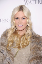 Tinsley Mortimer wore her platinum tresses long and curly at the unveiling of Waterford Premier Interiors Collection.