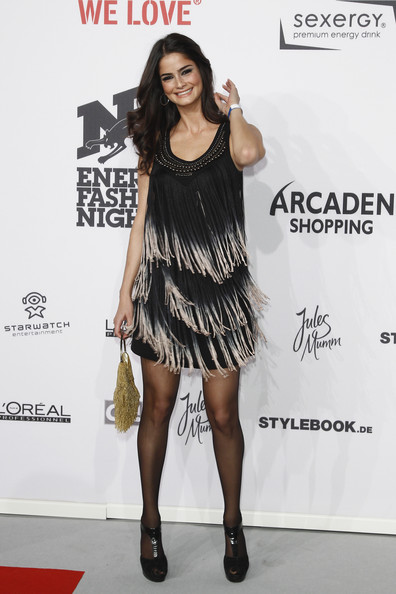Shermine Shahrivar matched her dress with a pair of T-strap platform sandals.