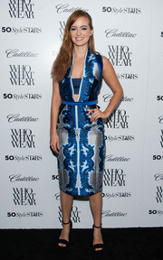 Ahna O'Reilly looked very fashionable at the Who What Wear event in a Bibhu Mohapatra print dress in blue, silver, black.