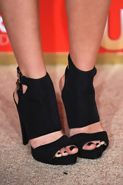 Kristin ruled the carpet in these killer ankle boots which had great buckle detailing on the heel.