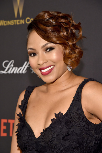Alicia Quarles topped off her look with cute short curls for the Weinstein Company and Netflix Golden Globe party.
