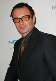Julian McMahon completed his smart ensemble at the 2011 Golden Globes party with a pair of oval tortoiseshell sunglasses.