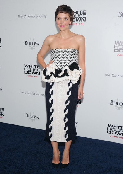 More Pics of Maggie Gyllenhaal Strapless Dress (1 of 13) - Strapless Dress Lookbook - StyleBistro
