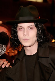 Jack topped off his chin-length waves with a classic suede dress hat.