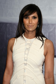Padma Lakshmi balanced out her strong eye makeup with a nude lip.