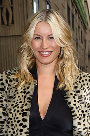 Denise van Outen looked great with her bouncy curls down at the press night of 'Wicked.'