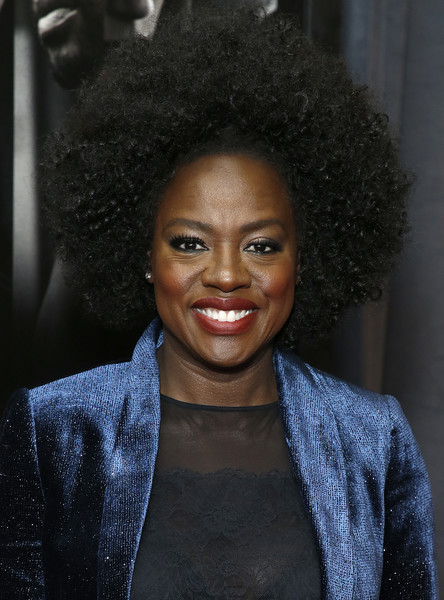 Viola Davis looked groovy with her afro at the special screening of 'Widows.'