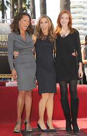 Vanessa Williams looked sharp in this charcoal gray knit dress at the Hollywood Walk of Fame ceremony.