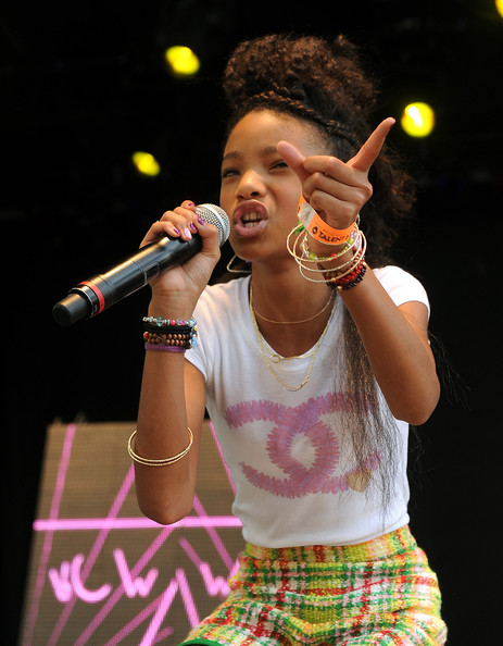 Willow Smith Bangle Bracelet [performance,entertainment,music artist,singing,singer,performing arts,song,music,microphone,pop music,obama,president,willow smith,will smith,jada pinkett smitt,tradition,white house,south lawn,afp,easter egg roll]