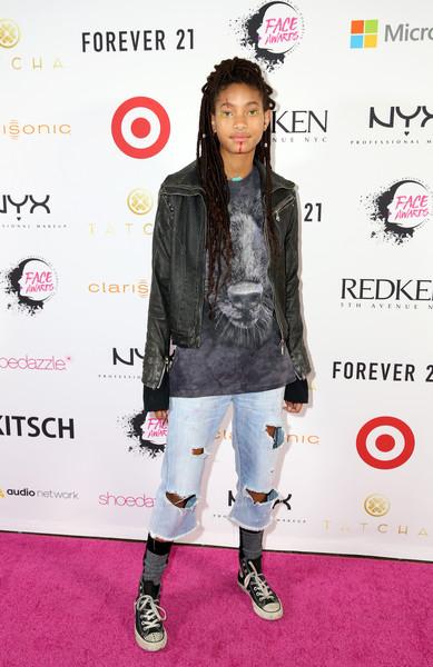 Willow Smith Ripped Jeans [nyx professional makeup - face awards,willow smith,clothing,carpet,red carpet,fashion,footwear,joint,outerwear,flooring,fashion design,jacket,nyx professional makeup face awards,the shrine auditorium,los angeles,california]