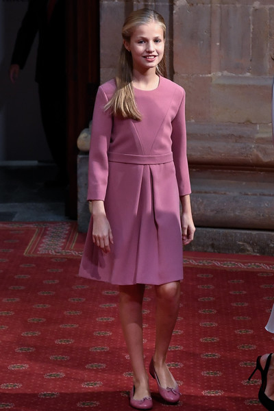 Princess Leonor matched her frock with a pair of purple ballet flats.