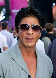 Wearing aviators and a spiked hairdo, Shahrukh Khan looked oh-so-cool at the Wireless by Barclaycard event.