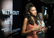 Zendaya Coleman contrasted her pastel dress with a black mani for the NYFF screening of 'Without a Net.'