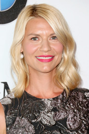 Claire Danes channeled Barbie with this golden wavy hairstyle at the 2016 Crystal + Lucy Awards.