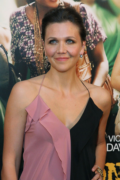 More Pics of Maggie Gyllenhaal Flat Sandals (1 of 15) - Maggie Gyllenhaal Lookbook - StyleBistro