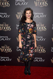 Tracey Ullman sweetened up the 'Into the Woods' premiere red carpet with this ultra-girly floral frock.