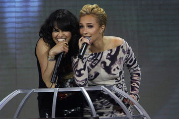 Hayden Panettiere Michelle Rodriguez World Music Awards 2010 - Show