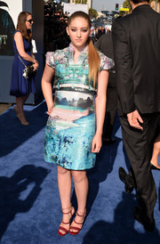 Willow Shields donned a landscape-print frock by Mary Katrantzou for the premiere of 'Maleficent.'