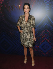 Katie wore a printed, v-neck wrap dress that complemented her skin tone.