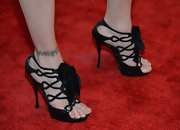 Stephanie Seymour attended the 2013 MOCA Gala wearing an adorable pair of bow-adorned black strappy sandals.