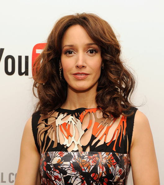 Jennifer Beals looked fabulous at the YouTube 2012 Upfronts Presentation wearing her golden brown locks in a mass of tousled curls.
